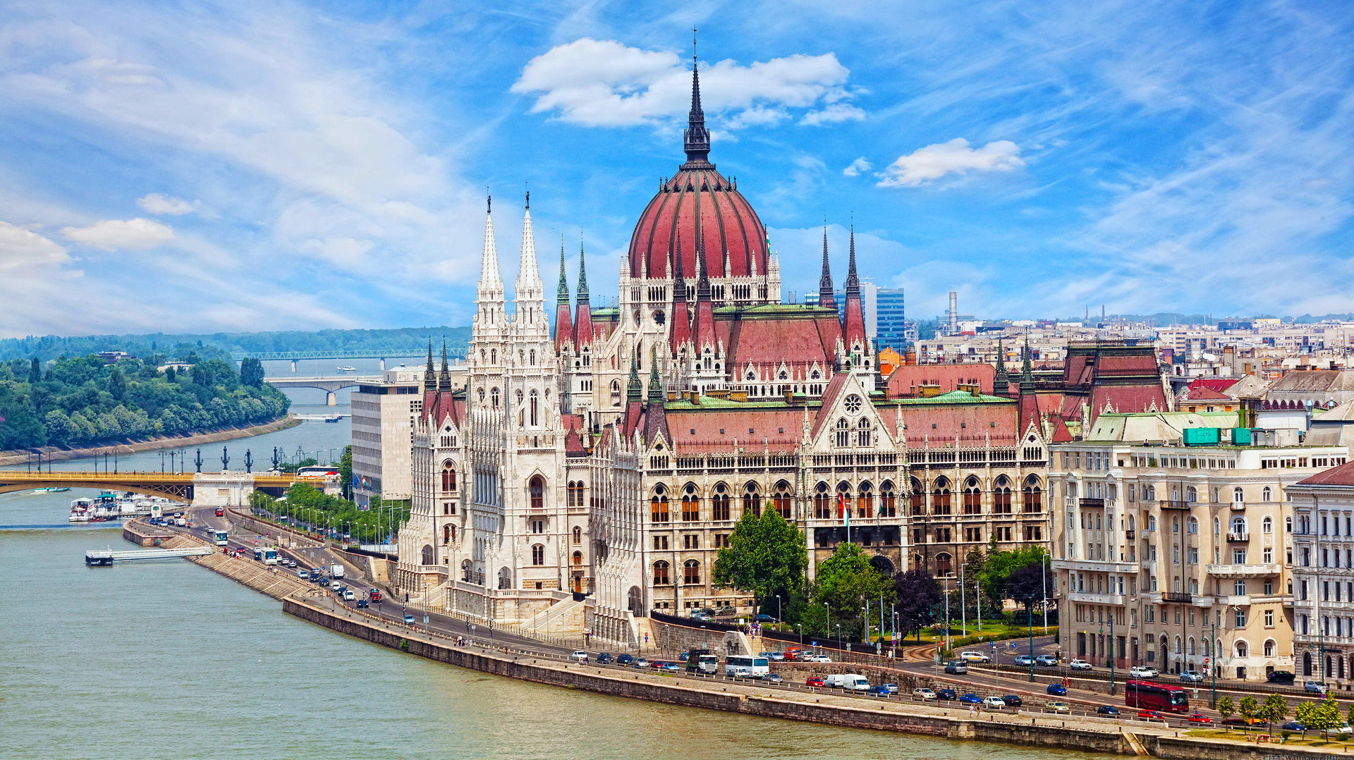 cropped-budapest-hungary-.jpg